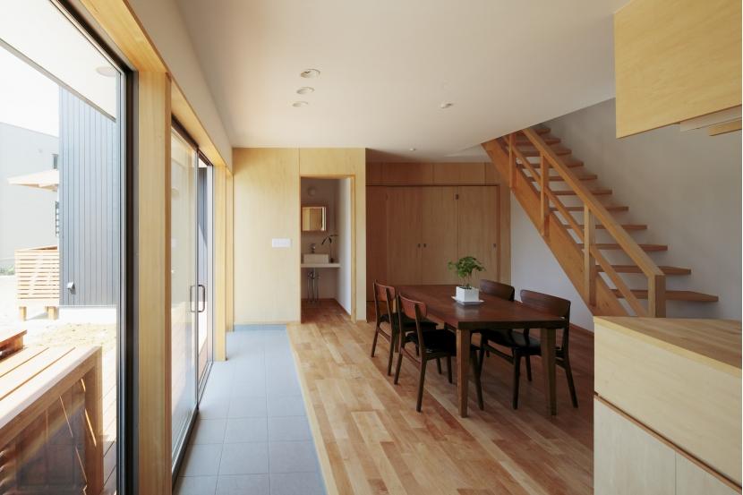 カフェ・ライブラリーの家の部屋 リビング1
