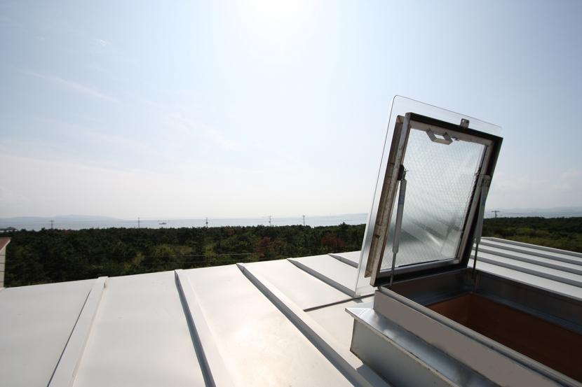 海の見える家 (屋根からの眺め、屋根に上がった開放感はたまりません。)