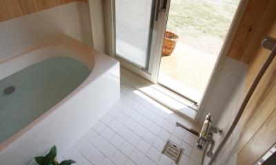 海の見える家 (浴室より直接外へ、また、海水浴に行って来て直接お風呂へ。)