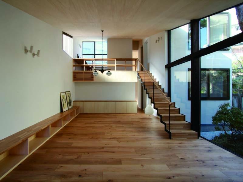 建築家:遠藤誠「若林M邸-既存樹木を活かした3つの中庭を配する棲家-」