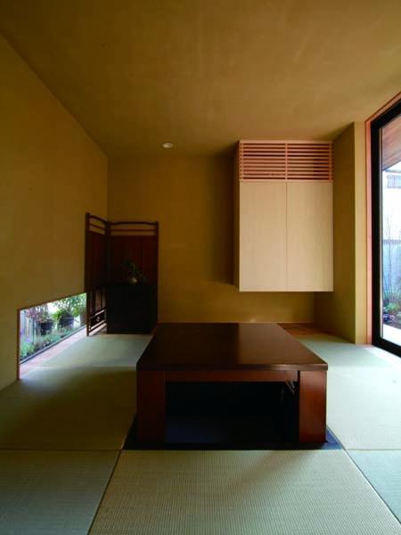 若林M邸-既存樹木を活かした3つの中庭を配する棲家-の部屋 和室