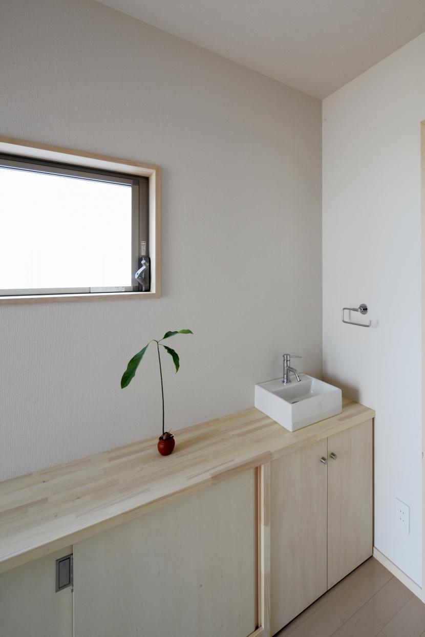 カフェ・ライブラリーの家の部屋 洗面台2