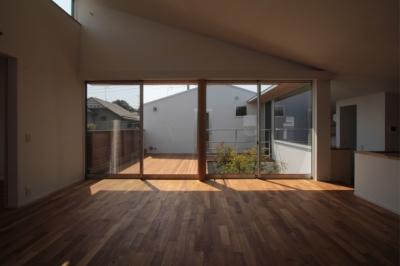 入間町A邸-中庭とデッキテラスを中心に配した二世帯住宅- (子世帯リビングダイニング)