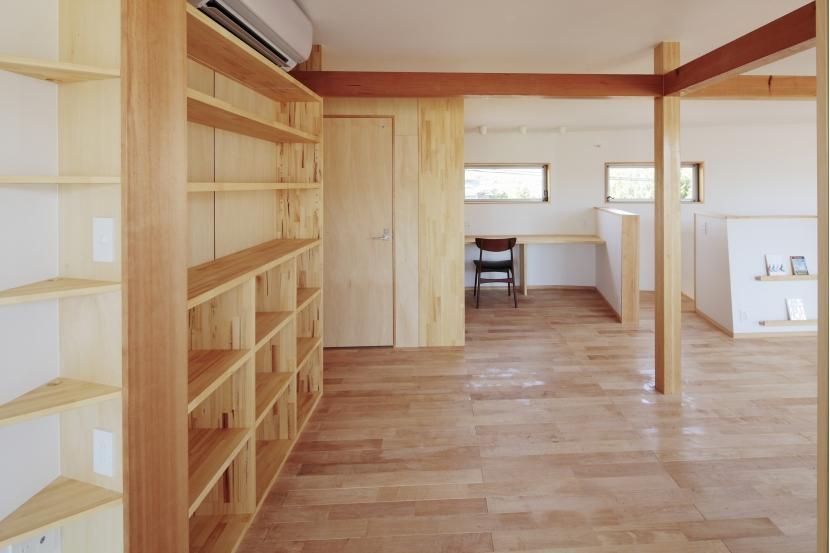 カフェ・ライブラリーの家の部屋 ファミリースペース