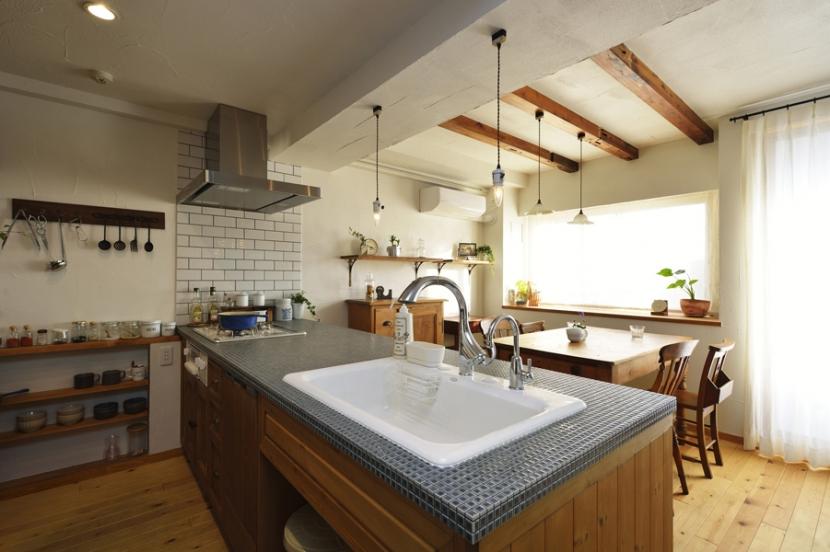 リフォーム・リノベーション会社:LOHAS studio ロハススタジオ「オーダーキッチンのある家」