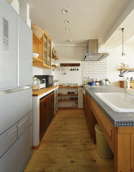 リノベーション・リフォーム会社:LOHAS studio ロハススタジオ「オーダーキッチンのある家」