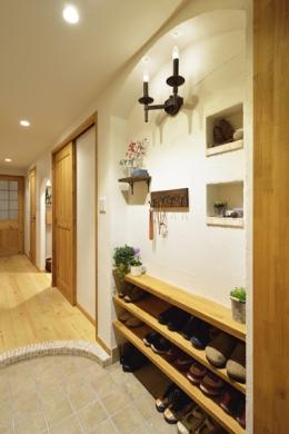 オーダーキッチンのある家 (玄関)