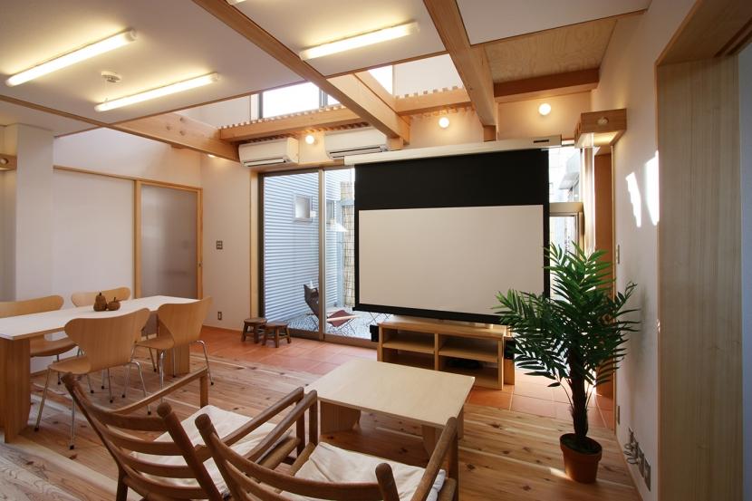 建築家:遠藤 浩「庭を抱える家」