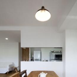 住吉川の家:古材・漆喰を使ったスケルトンリフォーム (ダイニングキッチン)