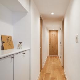 住吉川の家:古材・漆喰を使ったスケルトンリフォーム (玄関廊下)