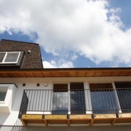 箕面森町の家:屋根裏ゲストルームのある平屋建て住宅 (外観)