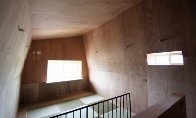 箕面森町の家:箕面森町の注文住宅 . 屋根裏ゲストルームのある平屋建て住宅 (2階ゲストルーム)
