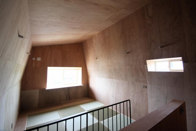 建築家:Coo Planning/中尾彰良「屋根裏ゲストルームのある平屋建て住宅」