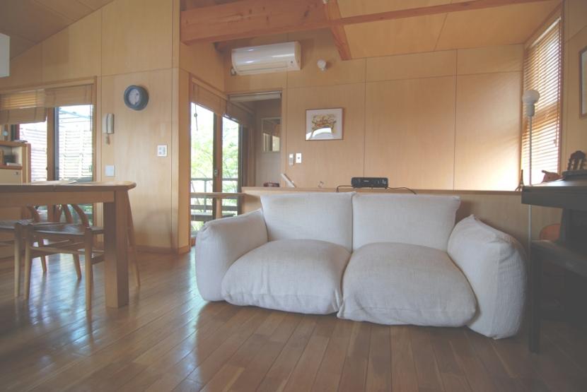 小さな家~緑の中で暮らす木のアトリエ付住宅~ (家具と長くつきあう)