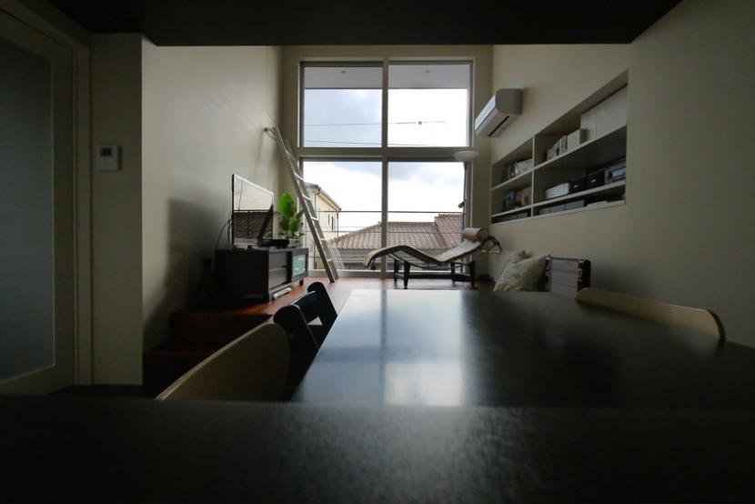甲南の家:神戸の注文住宅 . ガレージハウス (リビング)
