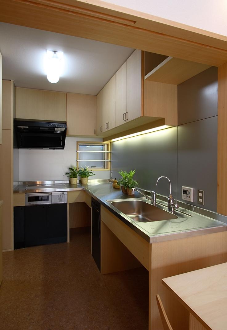 全て障子で仕切る家の部屋 大容量の収納、大工さんの造るキッチン