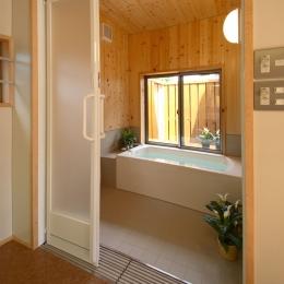 車椅子でも楽々バリアフリー浴室