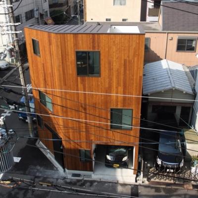 外観 (千代崎の家:大阪の狭小住宅 .2階建てスキップフロア)