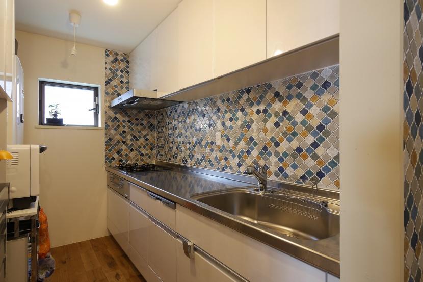 空掘の家:大阪の中古住宅リノベーション (キッチン)