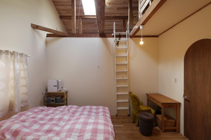 空掘の家:大阪の中古住宅リノベーション (主寝室)