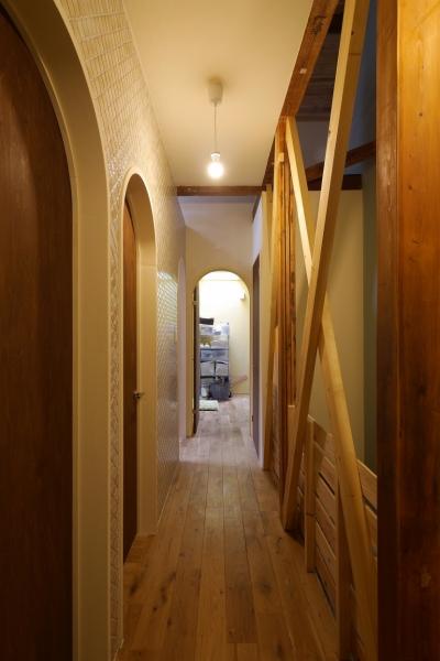 廊下 (空掘の家:大阪の中古住宅リノベーション)
