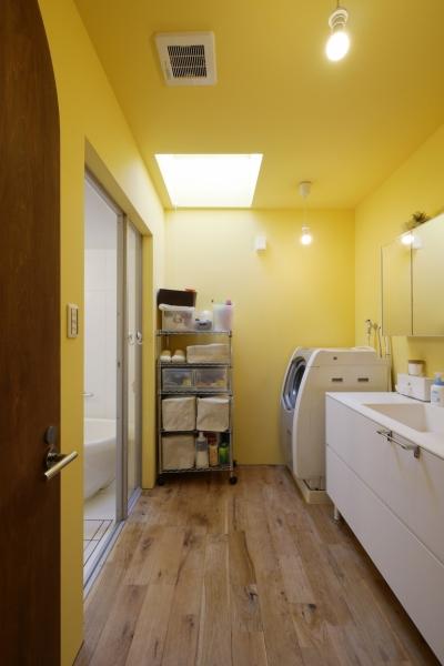 洗面/浴室 (空掘の家:大阪の中古住宅リノベーション)