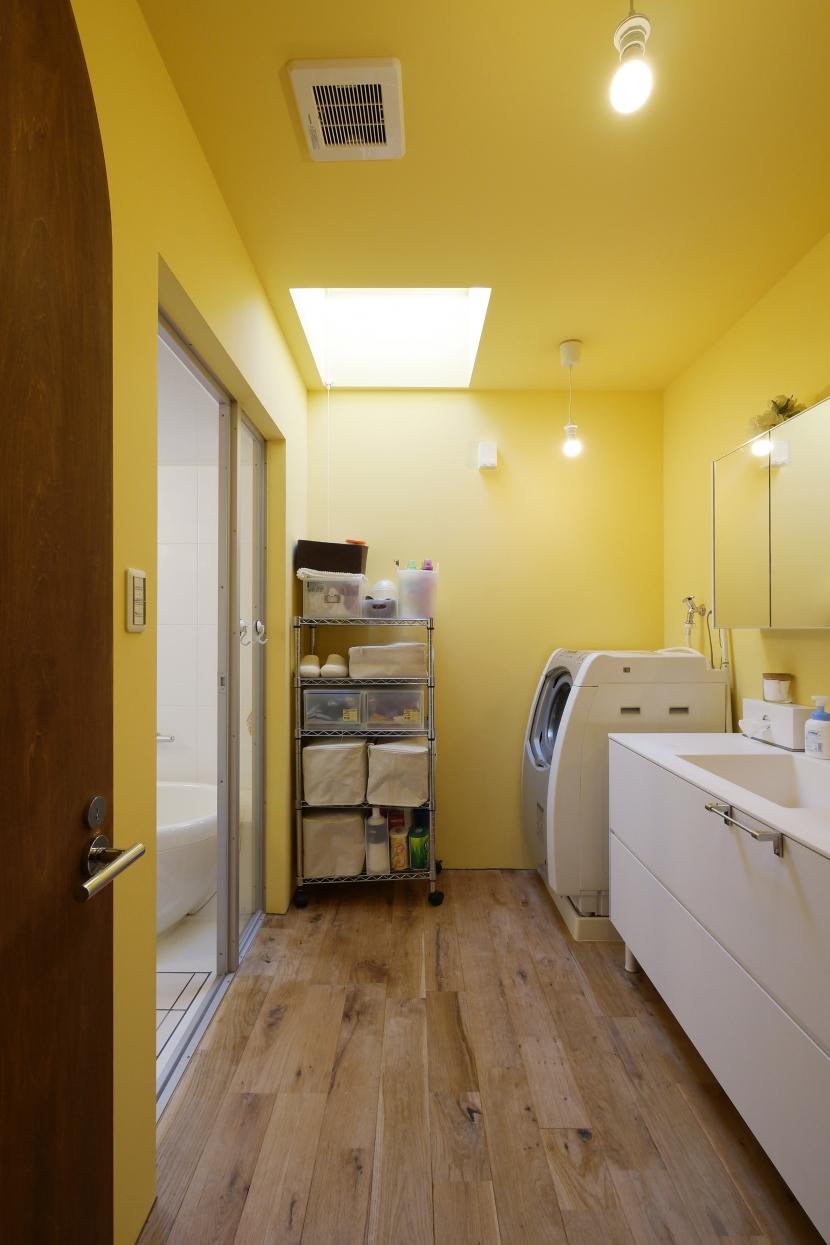 空掘の家:大阪の中古住宅リノベーション (洗面/浴室)
