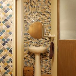 空掘の家:中古住宅フルリノベーション (トイレ)