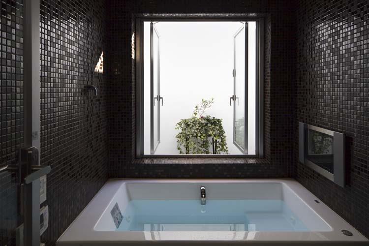 ヨロイの部屋 浴室