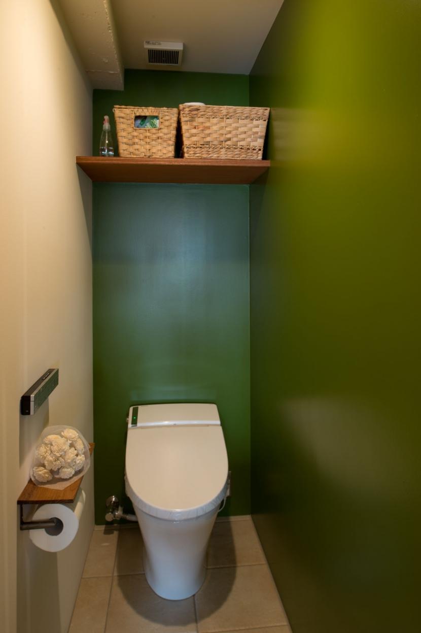 なじみの街で見つけたヴィンテージなメゾネットに住むの部屋 トイレ