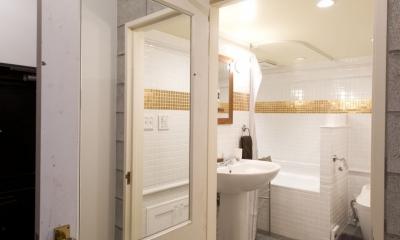 LDKをできるだけ広く。その分寝室は最小限の広さに (バストイレ入口)