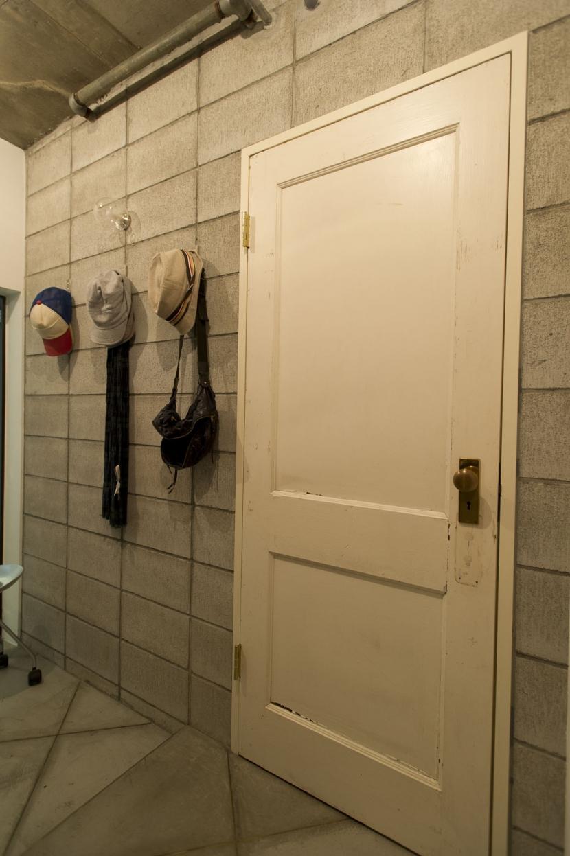 LDKをできるだけ広く。その分寝室は最小限の広さにの部屋 玄関