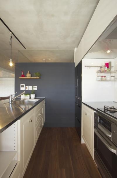 キッチン (水回りとWICを1か所にまとめて LDKをゆったりと)