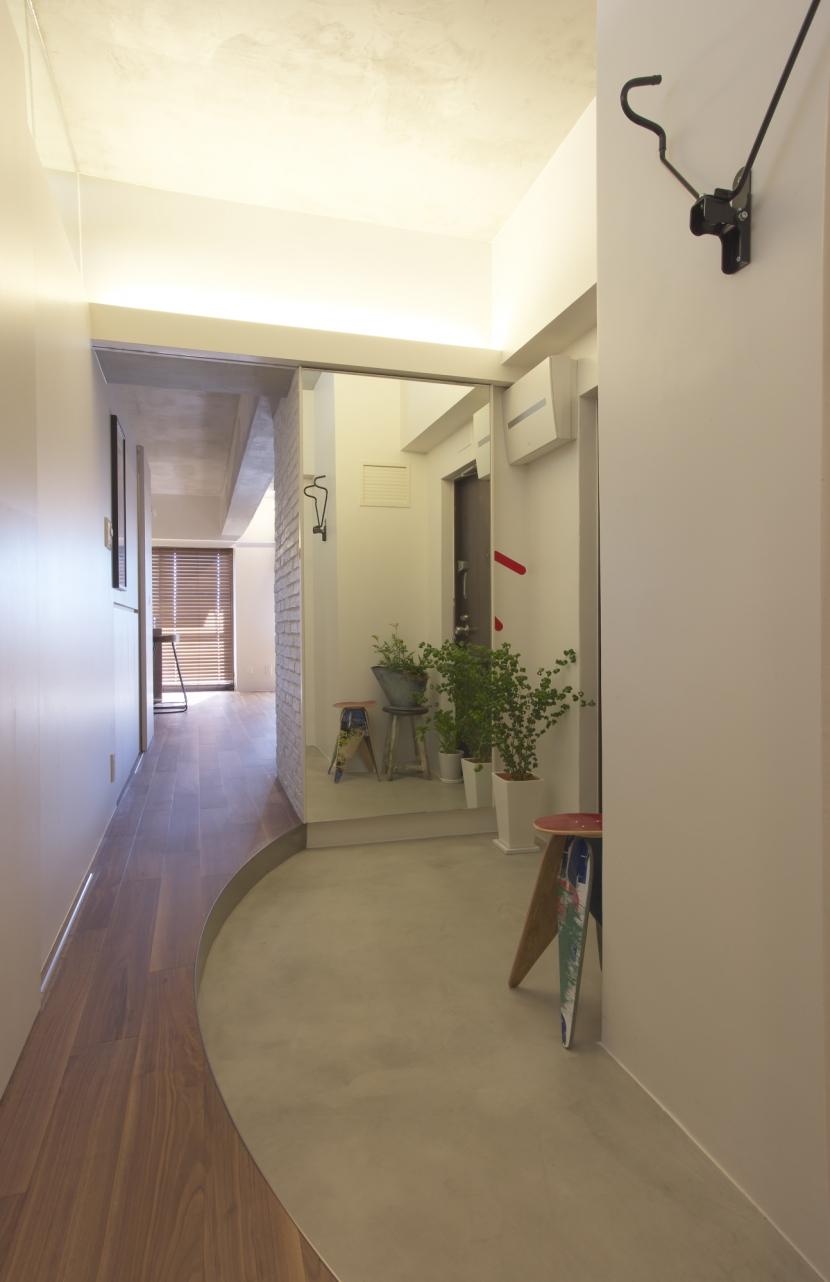 水回りとWICを1か所にまとめて LDKをゆったりとの部屋 玄関からリビング