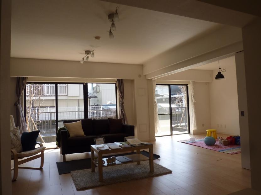 千葉邸の部屋 スライドドアで独立可能な広いリビング