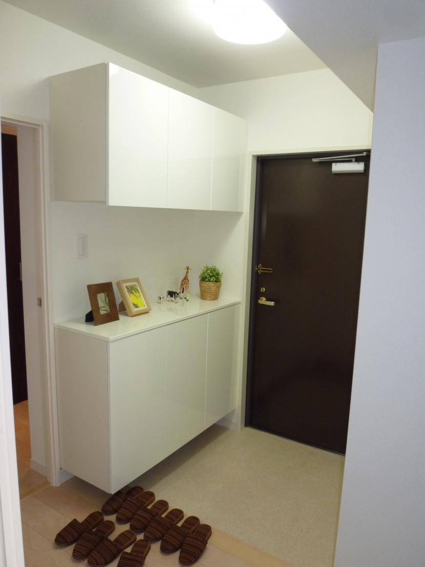 千葉邸の部屋 玄関ホール