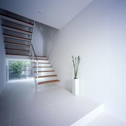 WHITE CAVE (玄関)
