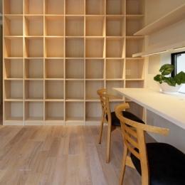 湖風の家-書斎本棚