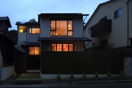 湖風の家 (全景夕景)