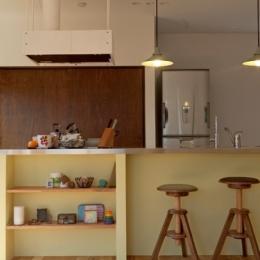 兵庫県M邸2 (リビングからみたキッチン)