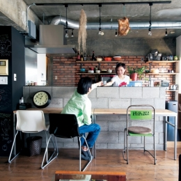 イメージはブルックリンのアパート。 大好きな中古家具が似合う空間に (ブルックリンをイメージ)