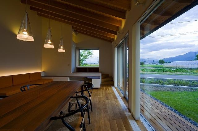 建築家:目時亮「窓辺の家 -window scape-」
