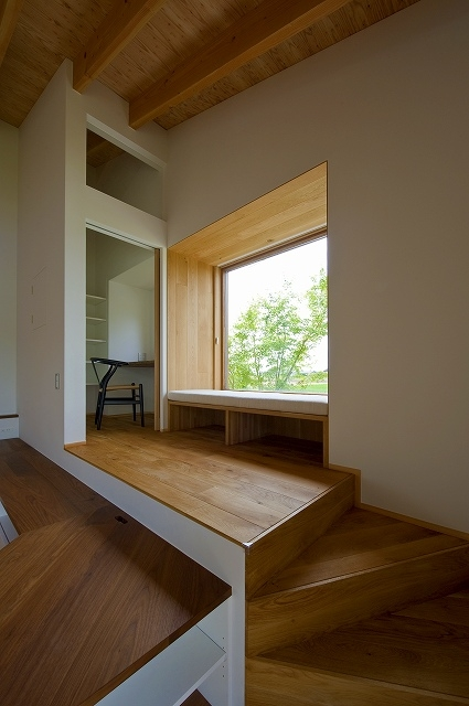 目時亮「窓辺の家 -window scape-」