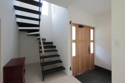 玄関と階段 (長野上松の家 -spazio unico-)