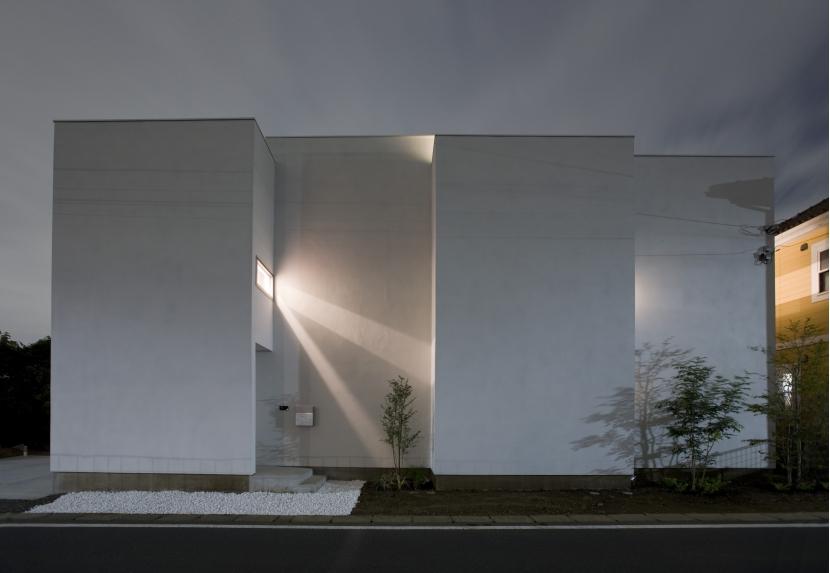 MHの部屋 外観(夜景)