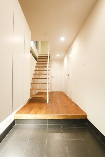 chemin (玄関ホール)