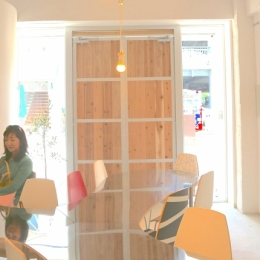 大分市府内五番街商店街振興組合事務所 | 5th Avenue INFORMATION OFFICE (ミーティングスペース)