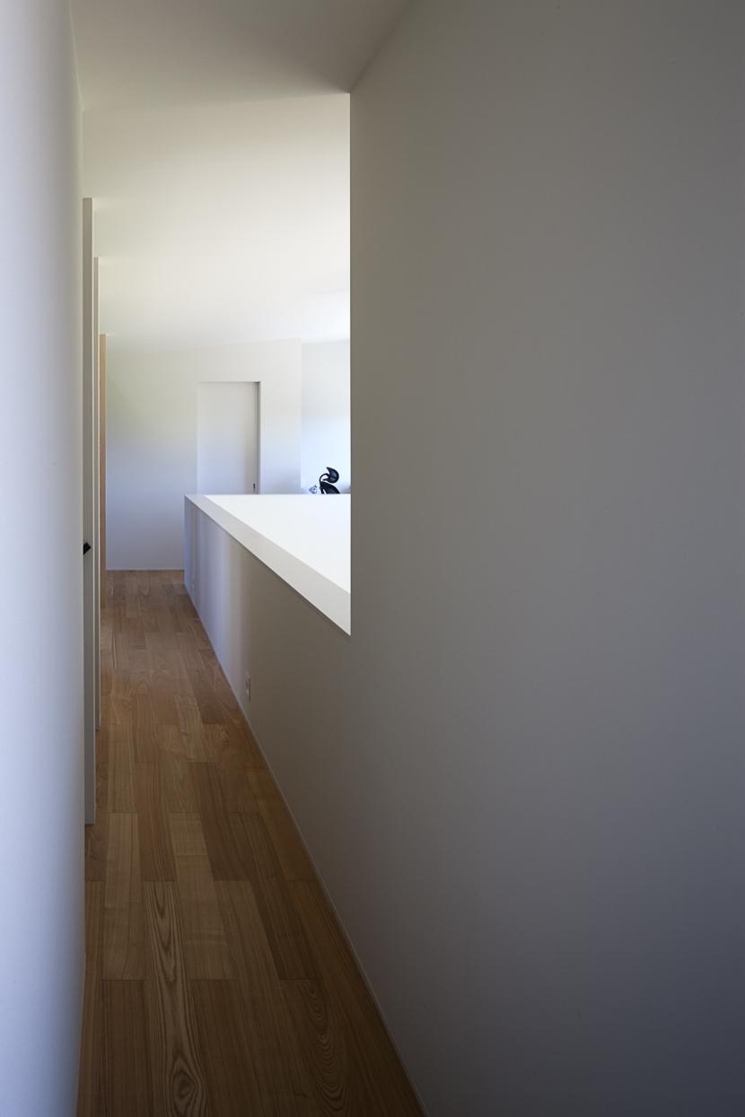 引戸のいえ (廊下2)