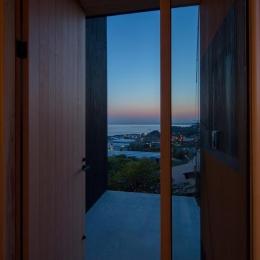 Tei 海がみえる家 (玄関ポーチ)