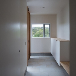 Tei 海がみえる家 (玄関)